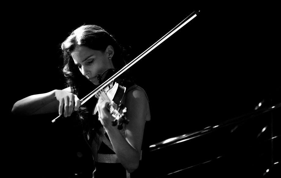 Barbara Data - Solo Musician  - London - Greater London photo