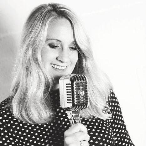 Annelise Molloy Jazz Singer - Singer , Hertfordshire,  Vintage Singer, Hertfordshire Wedding Singer, Hertfordshire Live Solo Singer, Hertfordshire Jazz Singer, Hertfordshire