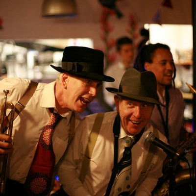 Swingamathing 1920s, 30s, 40s tribute band