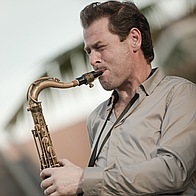 Kevin McMahon  Saxophonist Solo Musician
