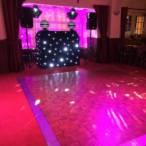 Gloucestershire Wedding Dj Mobile Disco