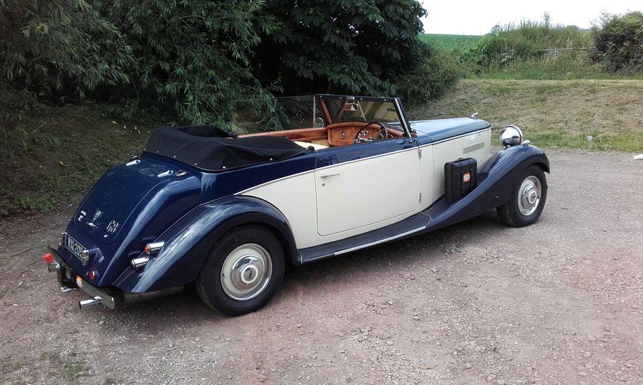 Wedding Car Hire Burton - Vintage & Classic Wedding Car Burton On ...