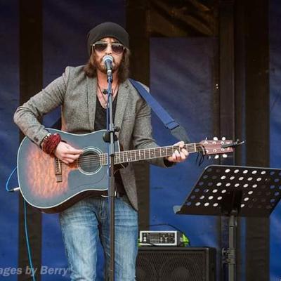 David C Thomas Solo Musician