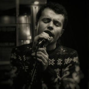 Euan Russell - Singer , Glasgow, Tribute Band , Glasgow,  Vintage Singer, Glasgow Wedding Singer, Glasgow Jazz Singer, Glasgow Live Solo Singer, Glasgow Frank Sinatra Tribute, Glasgow Michael Buble Tribute, Glasgow