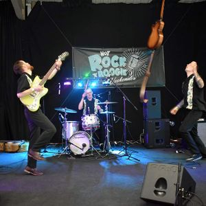 The B-Sides Rock And Roll Band