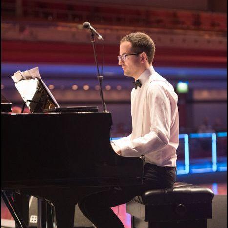 Jim Wynn - Jazz Pianist - Ensemble , Birmingham, Solo Musician , Birmingham,  Swing Big Band, Birmingham Pianist, Birmingham