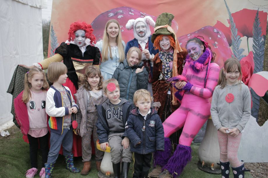 Acting Moon Events - Photo or Video Services Children Entertainment Magician Circus Entertainment  - Eastbourne - East Sussex photo