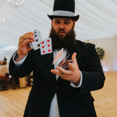 Close Up Magician Wedding Magician