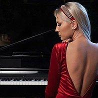 Rebecca Mihai Pianist