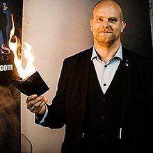 Dan Voakes Magician Wedding Magician
