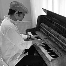 Joe Glossop Pianist