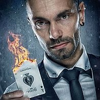 Carl Charlesworth - Magician & Comedian Illusionist