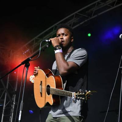 KingFast Live Solo Singer