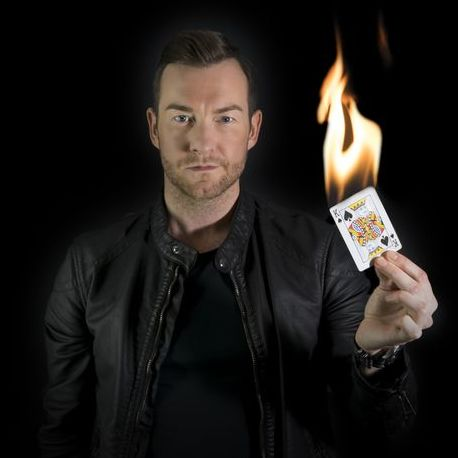 Stephen Karl Magician - Magician , Surrey,  Close Up Magician, Surrey Table Magician, Surrey Wedding Magician, Surrey Corporate Magician, Surrey Mind Reader, Surrey