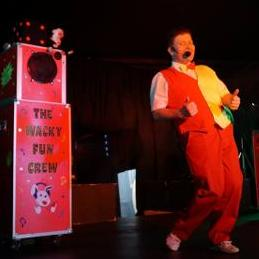 Mr Wacky Comedy Magician all ages catered for Children's Magician