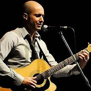 Paolo Coruzzi - Singer , London, Solo Musician , London,  Singing Guitarist, London Wedding Singer, London Guitarist, London Live Solo Singer, London Singer and a Guitarist, London