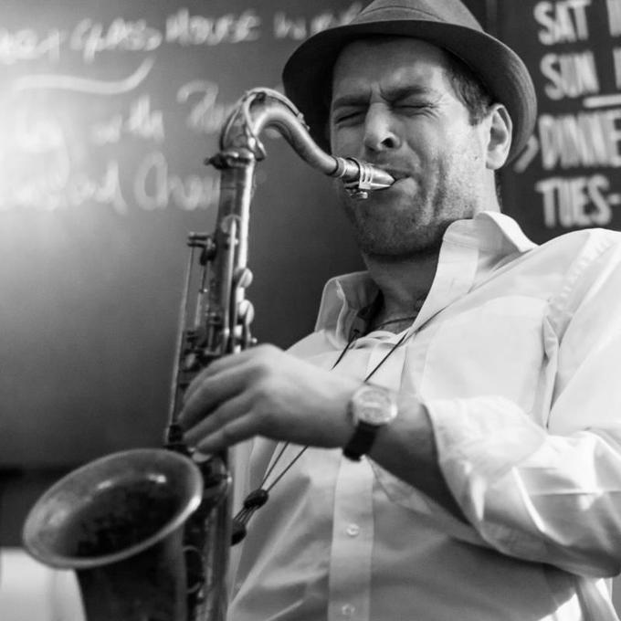 Kevin McMahon Professional Smooth and Swinging Jazz Saxophonist - Live music band Ensemble Solo Musician  - London - Greater London photo