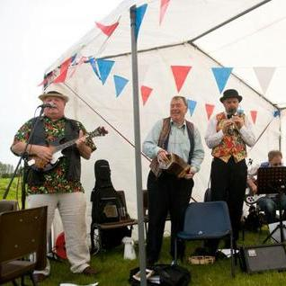 Newick Folk - Live music band , East Sussex, World Music Band , East Sussex,  Function & Wedding Band, East Sussex Ceilidh Band, East Sussex Irish band, East Sussex Barn Dance Band, East Sussex Folk Band, East Sussex