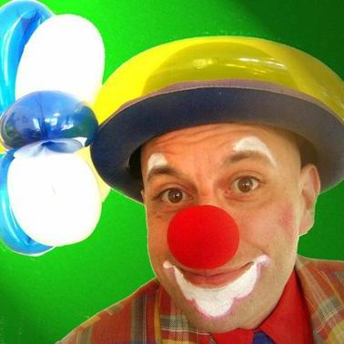 Ninetto the Clown - Children Entertainment , Edinburgh,  Balloon Twister, Edinburgh Children's Magician, Edinburgh Clown, Edinburgh