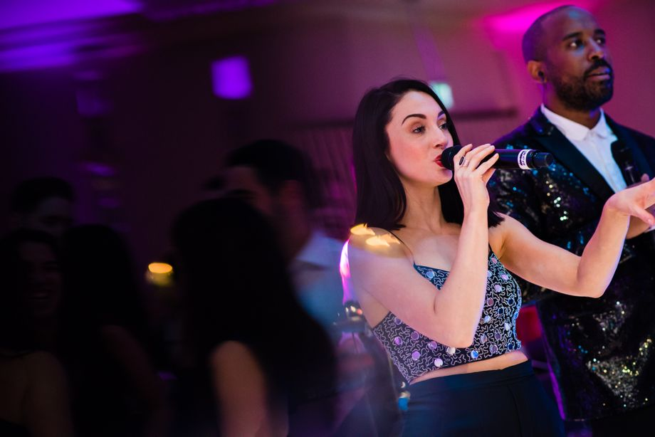 One Entertainment - Live music band Singer  - Greater London - Greater London photo