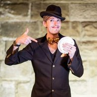 Chris Cross Entertainment Close Up Magician