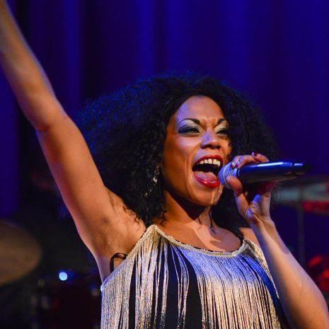 Shar Le Reign Soul Singer