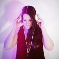 DJ Emma Ellis DJ