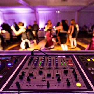 A1 PRO ENTERTAINMENTS Club DJ