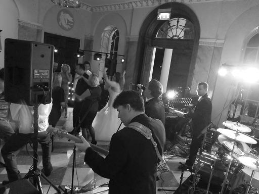 The Smokin Jackets - Live music band  - Chelmsford - Essex photo