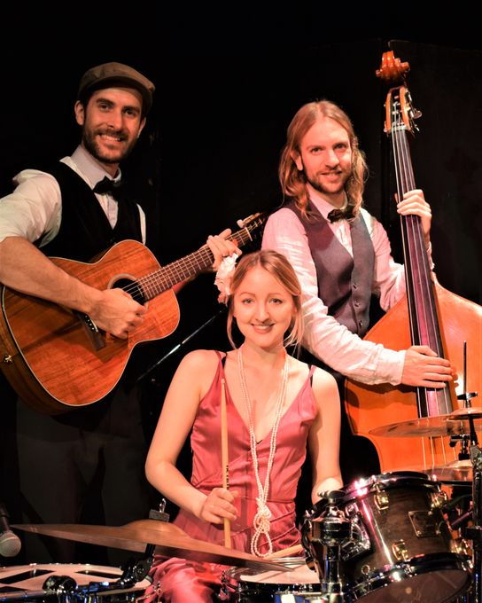 Swing Petite - Live music band  - Greater London - Greater London photo