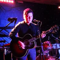 Duncan Craven Singing Guitarist