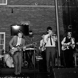 Boogie Knights - Live music band , Lincoln,  Function & Wedding Band, Lincoln Swing Band, Lincoln Funk band, Lincoln Pop Party Band, Lincoln