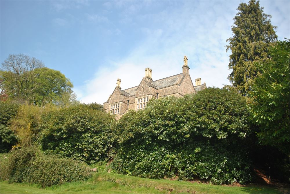 Paschoe House for hire