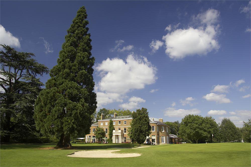 Buckinghamshire Golf Club for hire