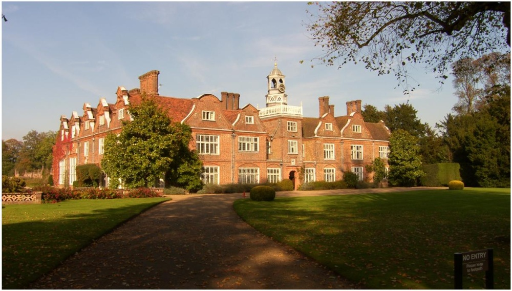 Rothamsted Manor for hire