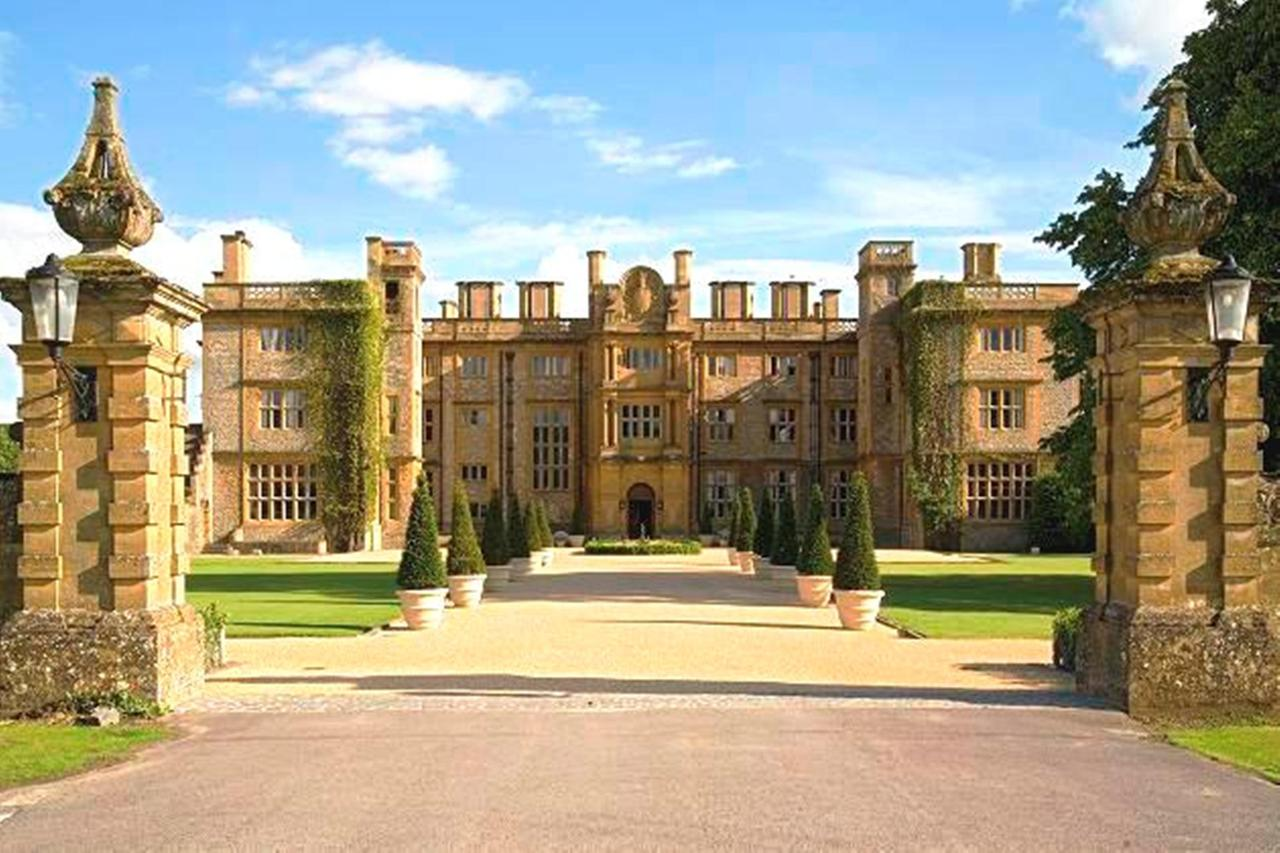 Eynsham Hall for hire