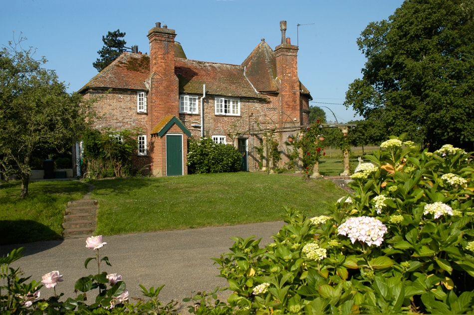 Pekes Manor for hire