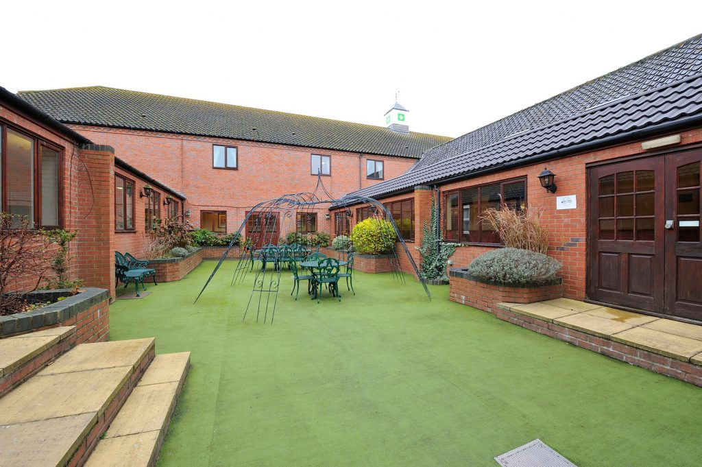 The Olde Barn Hotel Grantham for hire