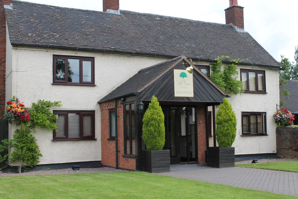 Oak Farm Hotel for hire