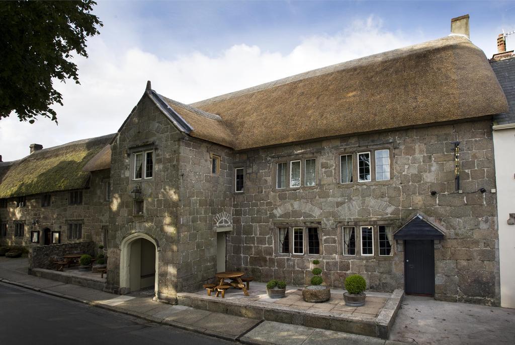 Three Crowns Inn for hire