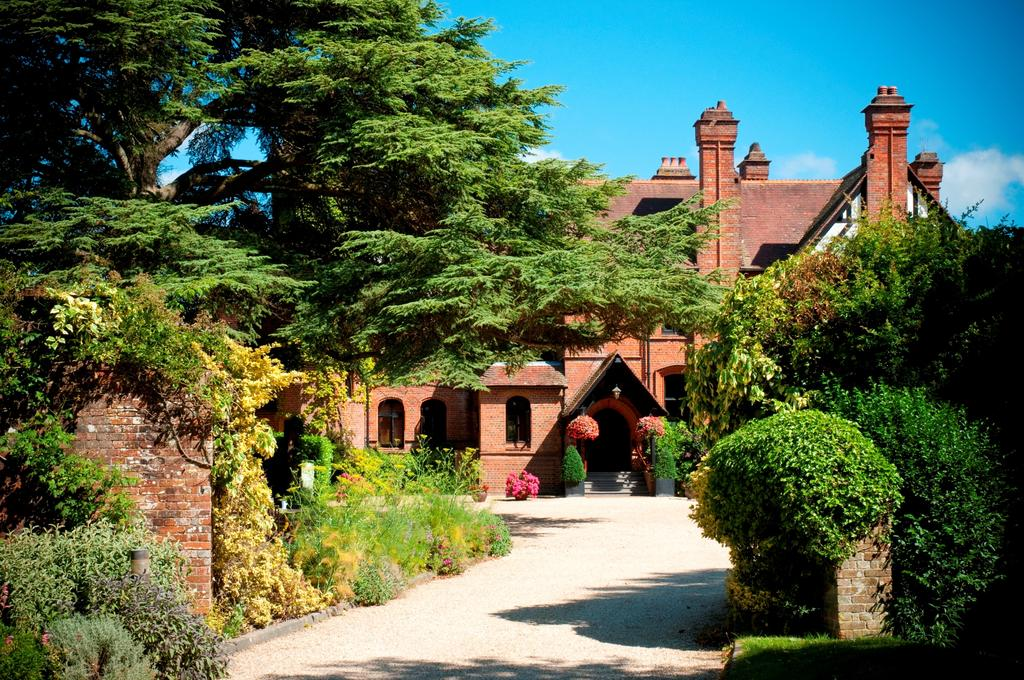 Careys Manor Hotel for hire