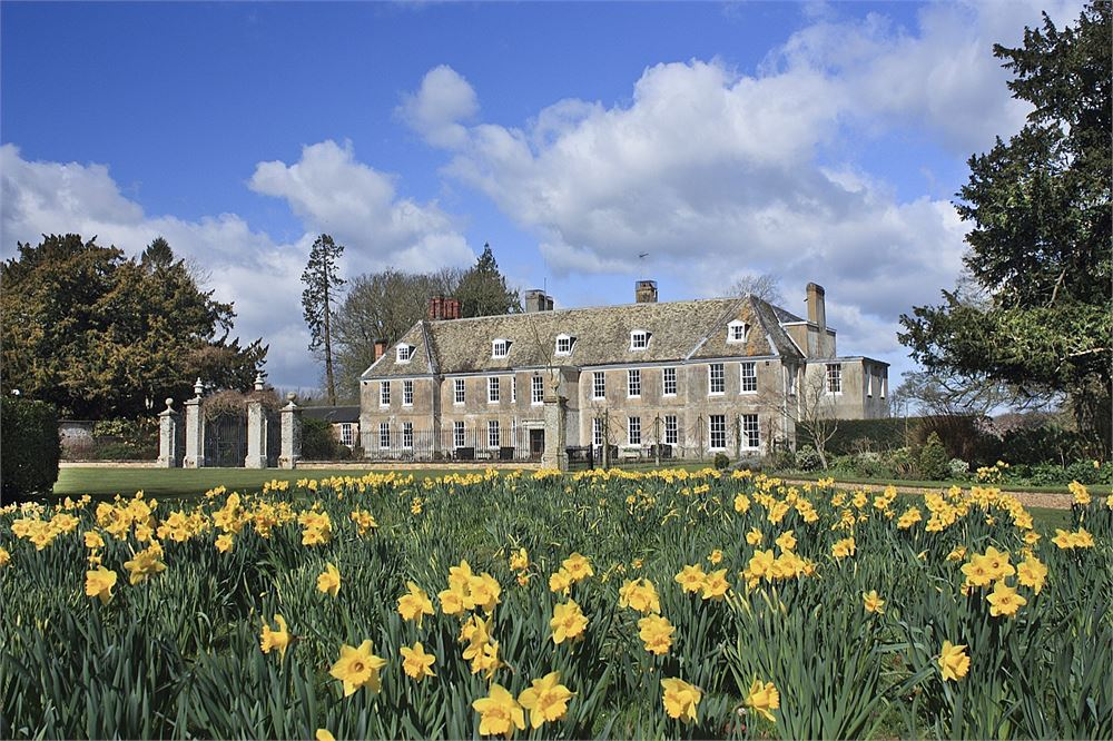 Stradsett Hall for hire
