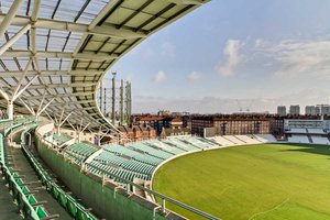 Kia Oval for hire