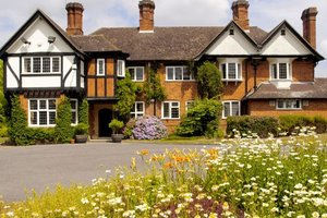 Yew Lodge Country House for hire