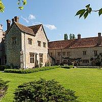Bijou Weddings - Notley Abbey for hire