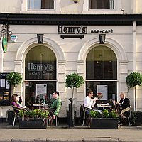 Henry's Cafe Bar for hire